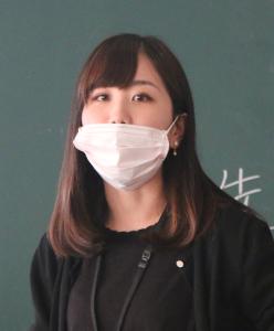 養護教諭 猪野萌々子さん(51回生)