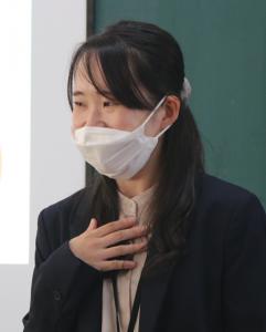 社会福祉士 花内茉由さん(45回生)